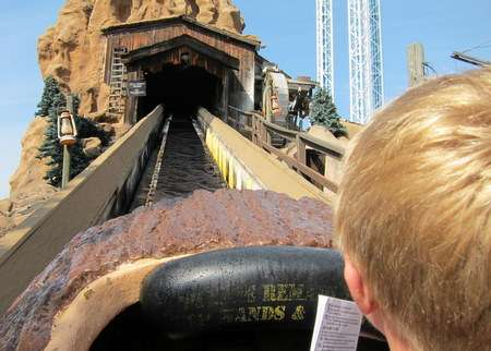 knotts berry farm rides silver bullet. The log ride at Knott#39;s is